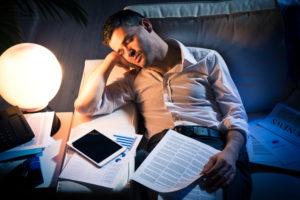 "Cum recunosti un ""workaholic"". 7 semne care ii dau de gol pe dependentii de munca"
