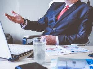 10 lucruri pe care seful tau le gandeste despre tine, insa nu ti le poate spune