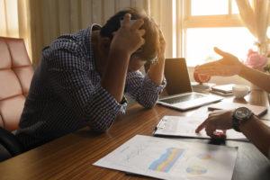 Cum lupti cu depresia. 7 solutii simple prin care ramai productiv la locul de munca