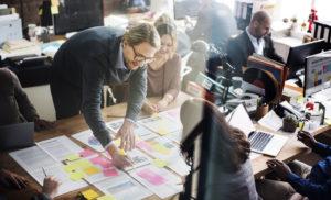 Cele 5 moduri verificate in care sa-i determini pe angajati sa lucreze ca o echipa
