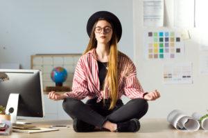 6 motive sa incluzi atelierele yoga pe lista beneficiilor pentru angajati